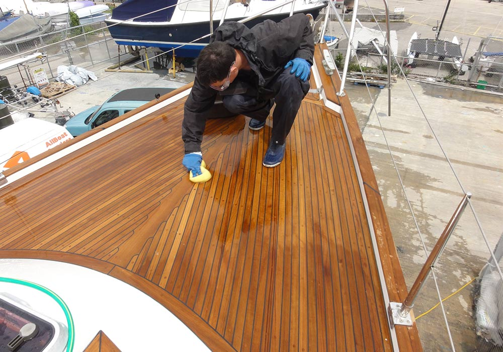 malo boat deck man cleaning all boat services recent project latest works